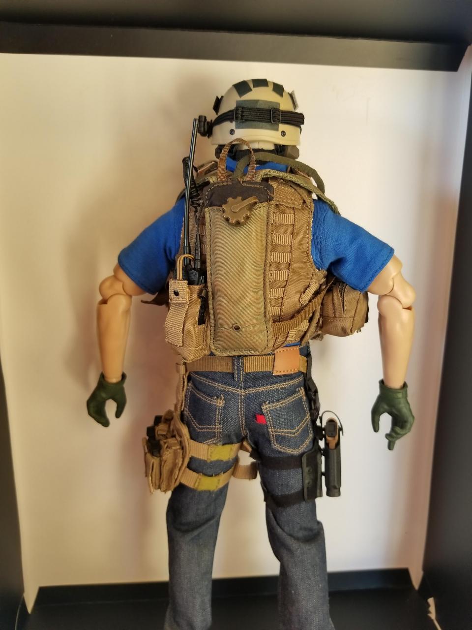 Modern Warfare 2 - Task Force 141 operative in urban wear (pic heavy)-6_-_f4bjwwq[1]-jpg