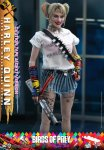 Hot Toys - Birds of Prey - Harley Quinn (Caution Tape Jacket Version) collectible figure_PR5.jpg